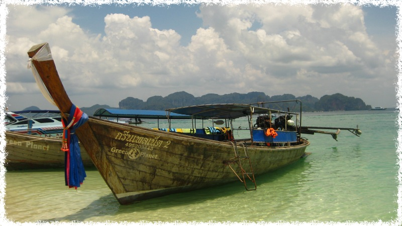 Long Tail Boat fahren in Thailand